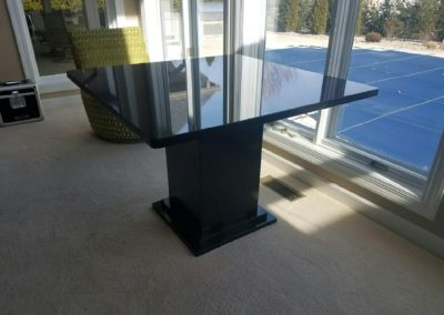 Black Absolute Table